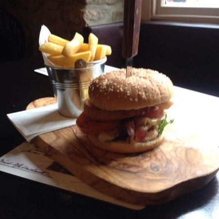 Presteigne, UK: Lots of choices of different burgers £9.50 incl a drink