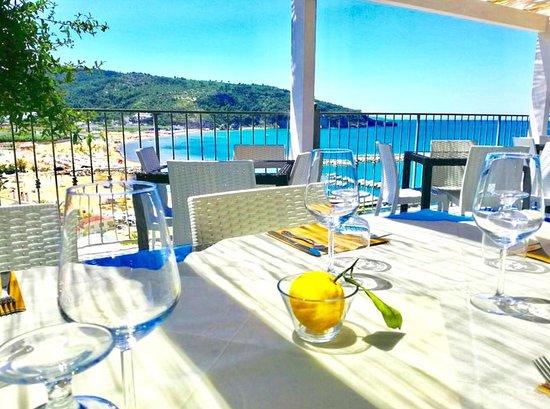 Trattoria Costamarina & Restaurant: Terrazza sul mare