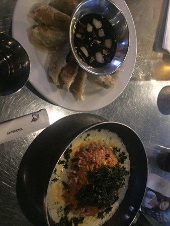 Carrollton, Τέξας: Korean beer, dumplings, & kimchi fried rice w/ melted mozzarella cheese