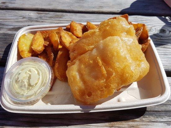Hella, Islande : yummy fish & chip fr Miu -Mia's Country Grill
