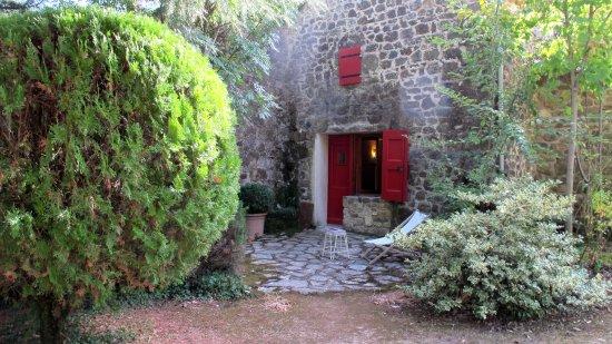 Anduze, Frankreich: notre chambre de plain-pied avec terrasse sur le parc