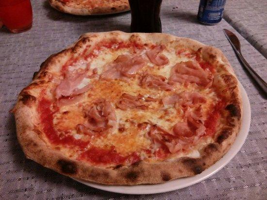 Zogno, Italia: prosciutto