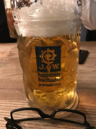 Augustiner am Gendarmenmarkt: Beer as it should be....big and cold