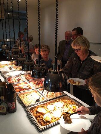 Hjorring, Dinamarca: Super familie brunch
