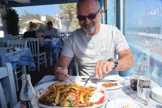 Zorbas Taverna: photo0.jpg