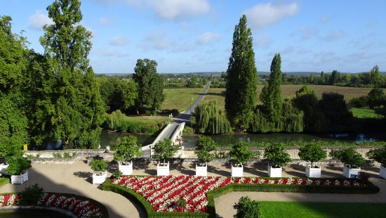 Rigny-Usse, Γαλλία: Formal garden and countryside