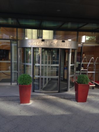 Swissotel Berlin: Entrada do Hotel