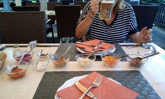 Gladbeck, Tyskland: Eine kleine Vorspeise, das ganze essen lang
