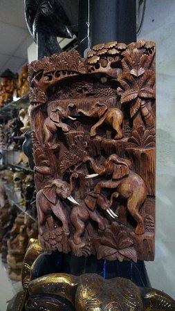 Tangalle, Sri Lanka: Деревянные картины