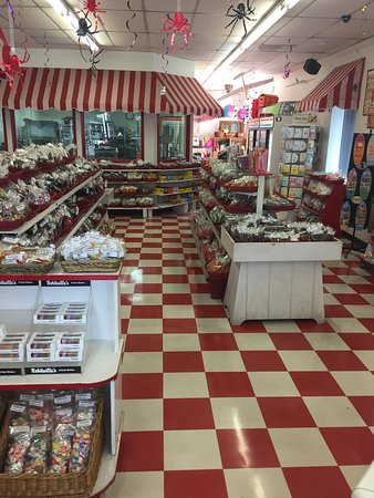 Carpinteria, CA: Robitaille's Fine Candies