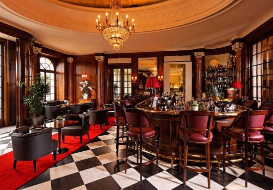 Grand Hotel National: Grand National Bar
