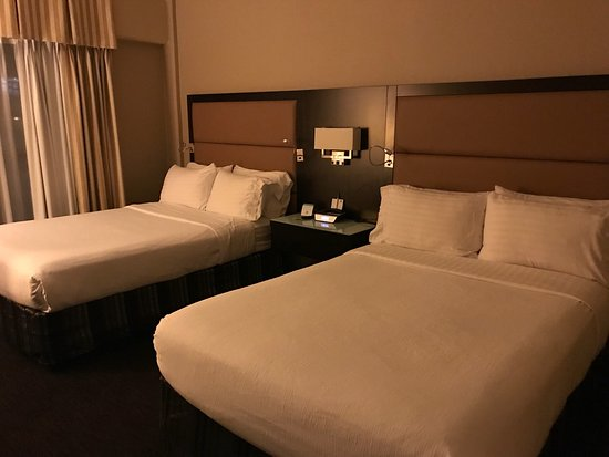 holiday inn hotel suites vancouver downtown photo0jpg