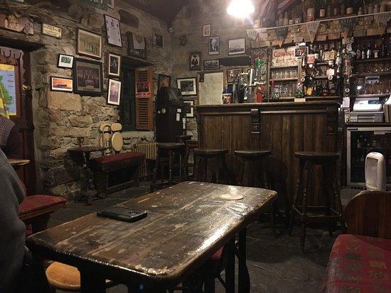 Lynott's Pub in Cashel, Achill Island