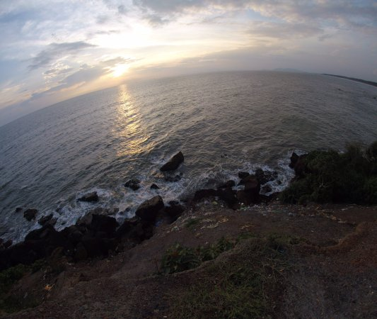 Meenkunnu Beach About 10 Km From Kannur Town Is Located In Azhikode An