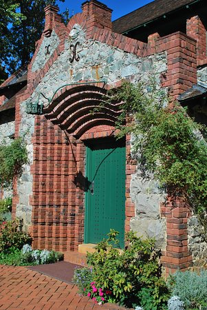 Nevada City, CA: Main Portico entry to the Cottage