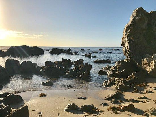 Mollymook, Australia: Bogey hole early morning