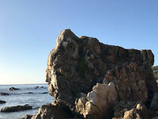 Mollymook, Australia: The big rock
