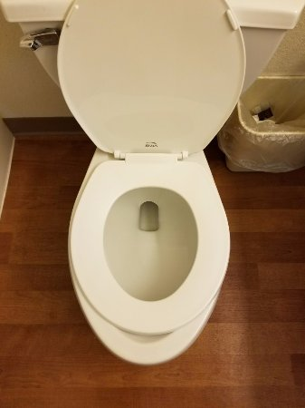 Extended Stay America - New Orleans - Airport: Give me a break!!! Round seat on elongated toilet.