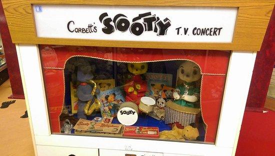 Станстед-Маунтфитчет, UK: Sooty, Sweep & Sue
