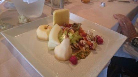 Anzola dell'Emilia, Italy: Piatto di frutta