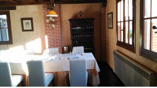 Hotel Restaurante Florida: Detalle comedor con mucha luz