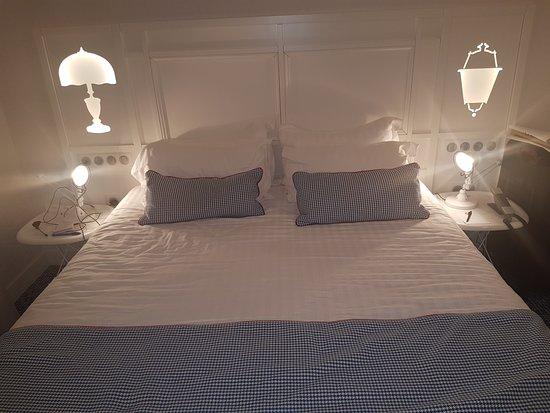claustrophobic corridor picture of hotel 34b astotel paris tripadvisor. Black Bedroom Furniture Sets. Home Design Ideas