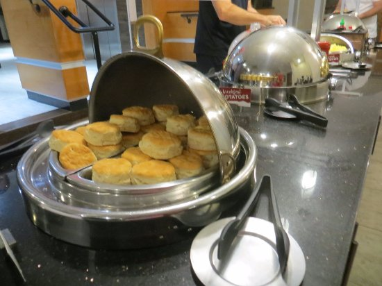 Drury Inn & Suites Austin North: Biscuits -yum!