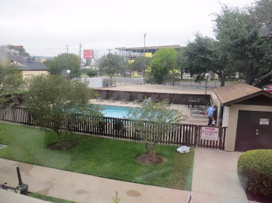 Drury Inn & Suites Austin North: Pool