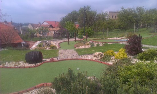Hustopece, Τσεχική Δημοκρατία: adventure golf