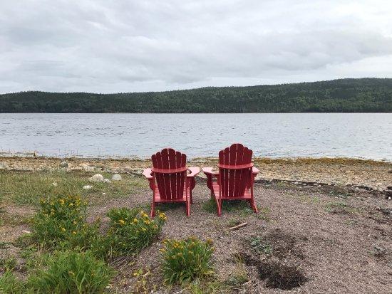 Glovertown, Kanada: Parks Canada 150th Adirondack chairs along the Terra Nova coastal trail