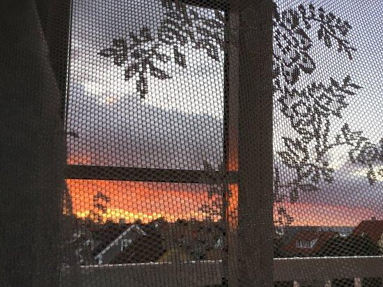 Gilleleje, Denmark: Smuk solnedgang  udsigt fra værelse
