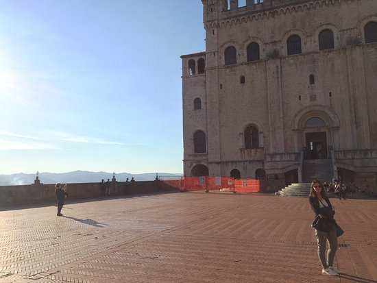 Gubbio, Italy: Plaza