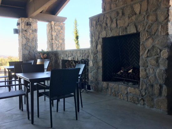 More pictures of what this winery offers besides a nice ambience and good wines