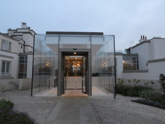 Portmarnock, Ireland: Front entrance