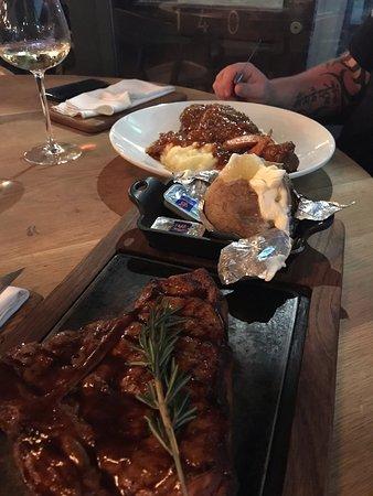 Berea, แอฟริกาใต้: my mighty t-bone steak!