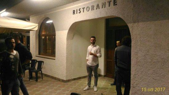 Villanova, Italie : Re Carlo Pizzeria Arrosticini Ristorante