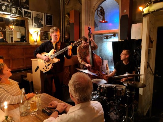 Glenn Miller Cafe: The Agnas Bros performing together for the first time in a long while.