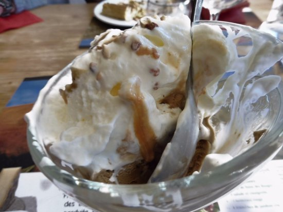 La Feclaz, Frankreich: Le café - caramel liégeois