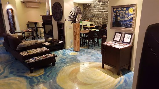 Hotel Le Vincent: Check out the flooring - and think of The Starry Night