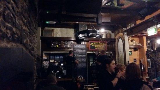 Kyteler's Inn: Restaurant