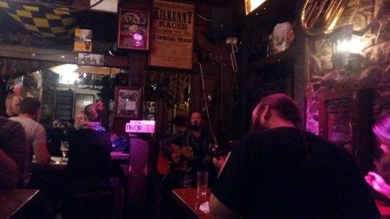 Kyteler's Inn: Live Band - The Raglan Rogues