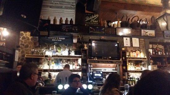 Kyteler's Inn: Bar