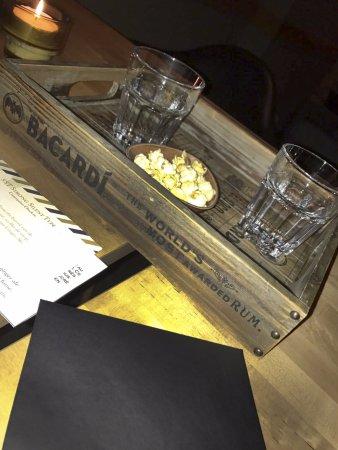 Tournai, Belgium: Verres d'eau aromatisés au concombre