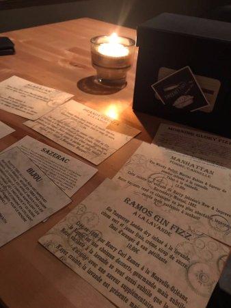 Tournai, Belgium: Cartes originales avec une histoire pour chaque cocktails
