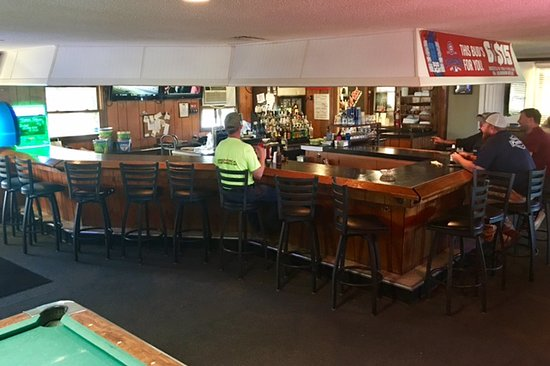 Decatur, IN: Double Eagle bar