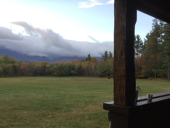 Franconia Notch Guest House: Early morning on the porch