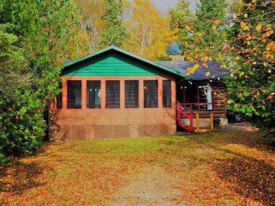 Whitney, Canada: Cabin #5