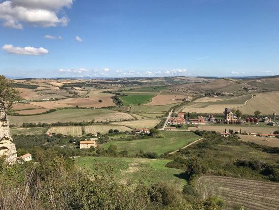 Papillon Service: View from the top of the street in Tarquinia