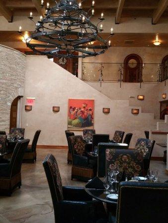 El Monte Sagrado : Main dining room - De La Tierra