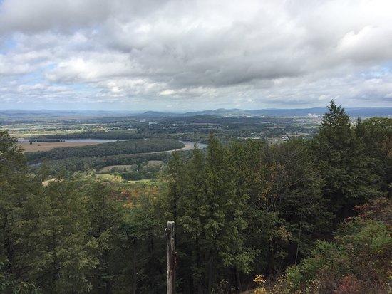 Hadley, MA : Skinner State Park